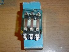 Mars Enclosed Switching Relay 43066 24 Volt 11 Amp Max NOS
