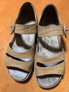 Kumfs Light Tan Leather Sandals Sz 38