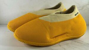 adidas Yeezy Knit RNR RNNR Runner Sulfur GW5353 Size 9.5 FREE SHIPPING IN HAND
