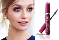 THE ONE EYES WIDE OPEN & AWAKE MASCARA curls lashes to 58° opens by 30% lifts