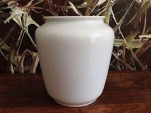 Fürstenberg Wilhelm Wagenfeld, Vase IN White