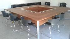 table de reunion design carrée 3,20m x 3,20m