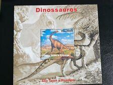 Sellos Santo Tomé .Hoja bloque del 2004.Nueva  MNH. Dinosaurios