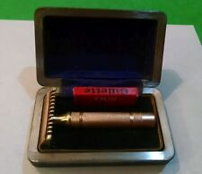 """Vintage Razor--Gillette NEW """"Long Comb"""" with Case and NOS """"Thin"""" Blades"""
