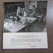 PHOTO DE PRESSE 1944 ECOLE DES MÉTIERS D'ART HOTEL DE SALÉ COURS DE VITRAUX
