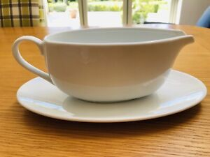 White Gravy Or Sauce Boat With Saucer