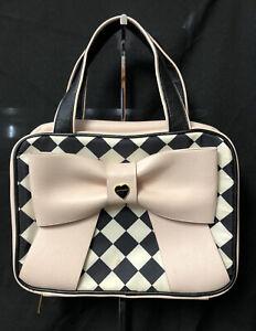Listing (1) Betsey Johnson Handbag