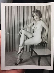 Vtg 1950's Unshaven Happy Blonde Amateur Girl Nude Girlie Spicy Risque Pinup