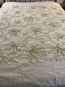 Vintage Handmade Crewel Duvet Coverlet 105x87 king #953