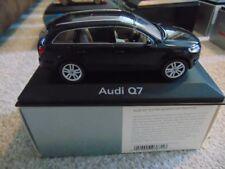 Schuco Audi Q7 Blue 1:43 5010507633 Dealer Edition