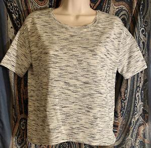 Lululemon Fall In Place Yoga Short Sleeve Shirt Black/White. Size 6 *$10 Off!*