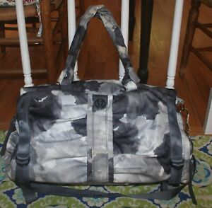 Lululemon Bon Voyage Tinted Gray Nylon Canvas Duffle Weekend Bag