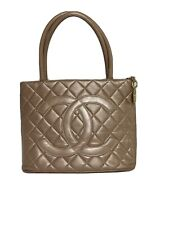 Chanel Handbag Purse Shoulder Medallion Bag Vintage Leather Quilted Rose Caviar