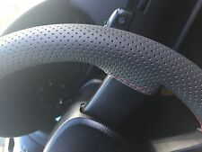 FOR KIA SPORTAGE 04-10 GREY PERFORATED LEATHER STEERING WHEEL COVER RED STITCH