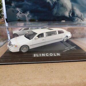 VOITURE LINCOLN TOWN CAR LIMOUSINE 1:43 VITESSE