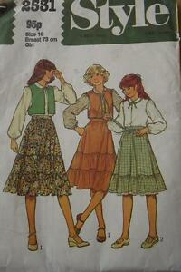 ORIGINAL VINTAGE 1978 CHILDS OUTFIT PATTERN- STYLE 2531 size 10