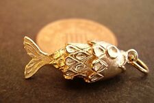 LOVELY 9K 9CT  SOLID GOLD '  MOVING FISH  '  CHARM