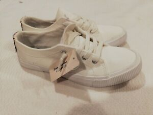 New Tommy Bahama Foot Wear Sneakers Size Various White