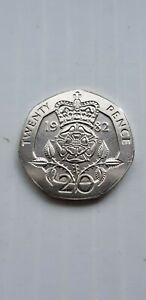 1982 UK TUDOR ROSE 20P TWENTY PENCE COIN-#JC