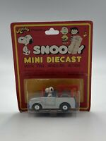 Hasbro Snoopy Tow Truck Peanuts Aviva Die Cast Toy Car New NOC