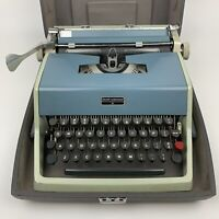 Vintage Olivetti Underwood 21 Typewriter W/ Case