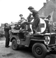 WW2 WWII Photo World War Two Medic Jeep British Army  Willys Ford   / 3150