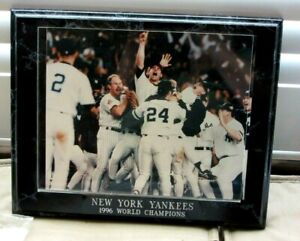 NEW YORK YANKEES 1996 WORLD CHAMPS PHOTO PLAQUE 8 X 10 PHOTO 10.5 X 13 PLAQUE VG