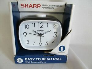 Sharp Retro Quartz Analog Easy Read Black Alarm Clock Battery Operated **NEW**