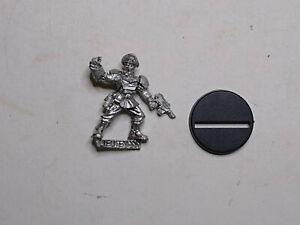 40K Imperial Guard- 1x Cadian Lieutenant (B). Metal. OOP