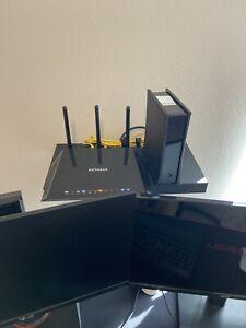 NETGEAR R7600 Nighthawk AC1750 Smart WiFi Router - R6700-100NAS