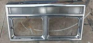 82-89 Chrysler Fifth Avenue Passenger Right Headlight Bezel Trim w Signal Light