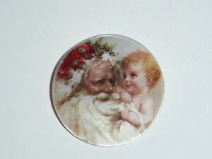 """Santa Claus w/ Baby on Mother of Pearl Button - MOP Button 1-3/8""""s Christmas"""