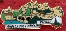 PIN'S PBVF LES PLUS BEAUX VILLAGES DE FRANCE VIENNE ANGLES SUR L'ANGLIN ZAMAC