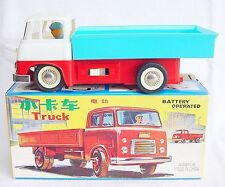 China ME-735 HINO LOW SIDED TRUCK RC Battery Op Tin Toy Car MIB`60 SIMPLY NEW #1