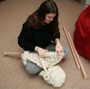 Pair Giant Knitting Needles 35 mm diameter 90 cm extra long for chunky knitting
