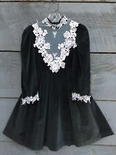 Vtg NANOOK Victorian Dress Dk Green Holiday Christmas Velvet white lace Sz 4