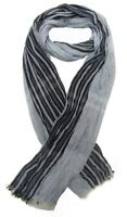 Foulard, chèche écharpe pour homme bleu clair dominant, 180 x 60 cm.