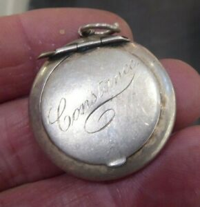 QUALITY ANTIQUE SOLID SILVER PILL BOX. BIRMINGHAM 1918