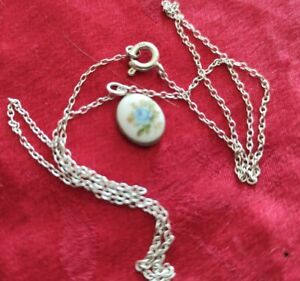 CUTE CAMEO BLUE FLOWER VINTAGE HALLMARKED STERLING SILVER PENDANT,17 INCHES,2 GR