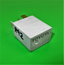Toyota Avensis Corolla RV4 Yaris silber Relais Bosch 0332011001/90080-87019