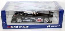 Voitures des 24 Heures du Mans miniatures argentés sous boîte fermée
