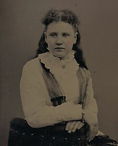 OLD VINTAGE ANTIQUE TINTYPE PHOTO of PRETTY LOVELY YOUNG TEEN GIRL w/ LACE SHAWL