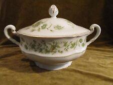 Grande soupière porcelaine Limoges Haviland à la corne (soup tureen)