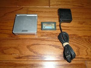 SILVER/PLATINUM Nintendo GameBoy Advance SP handheld console & Yoshi's Island