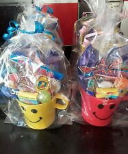 8 PRE FILLED CHILDREN'S SMILEY CUP PARTY LOOT FAVOUR IN CELLO BAG WITH RIBBON