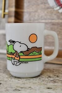VINTAGE FIRE KING ANCHOR HOCKING SNOOPY KEEPING FIT IS HARD WORK COFFEE MUG CUP