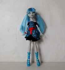 Poupée Monster High Ghoulia Yelps Freaky Fusion Draculaura