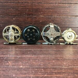 Lot of 4 Vintage Fly Fishing Reels   Favorite, Shakespeare Featherweight, Hendry