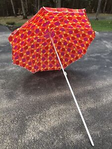 Tupperware Beach Umbrella Patio Outdoor Sunshade 5 ft Wide X 6.5 ft Tall New
