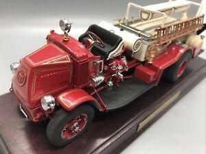 Danbury Mint 1926 Mack AC Rotary Pumper 1/32 Scale With Wooden Display Base